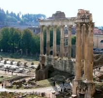 Temple-of-Saturn-ruins-Vespasian-Roman-Forum