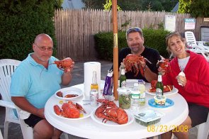 eating_lobsters_capecod