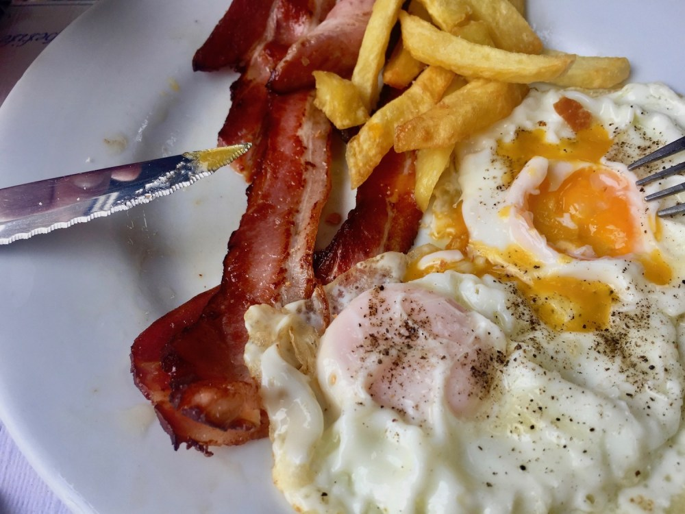 Bacon, egg and chips at Gelida