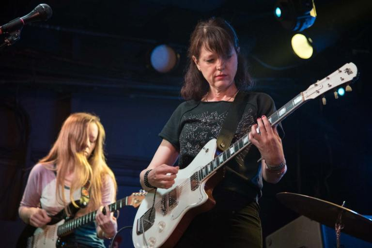 Mary Timony Plays Helium in 2017