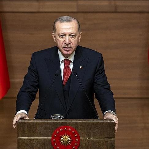 erdogan bekledigi sanatciyi anlatti slogan atmayacak milleti hor gorup sikayet etmeyecek yqecfnps
