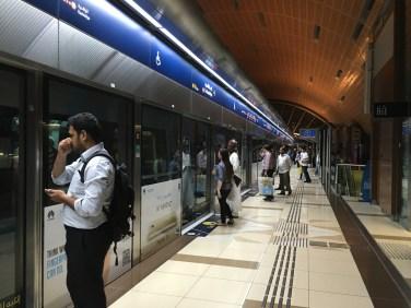 Dubai-metro-01