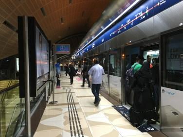 Dubai-metro-02