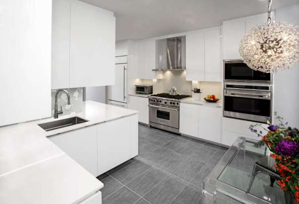 Contemporary High-Gloss White Kitchen