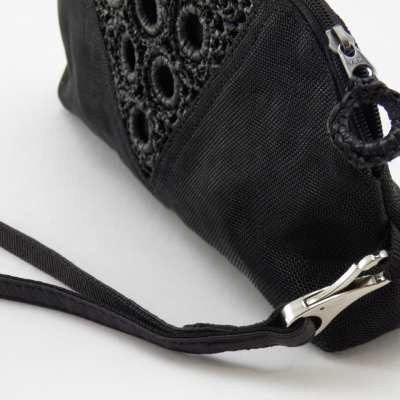 Serif - Eco-friendly Clutch Bag Wrist-strap - Black - Details