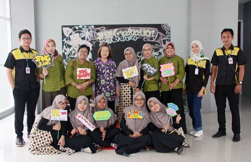 Foto bersama motivator dan perwakilan biMBA Pusat.