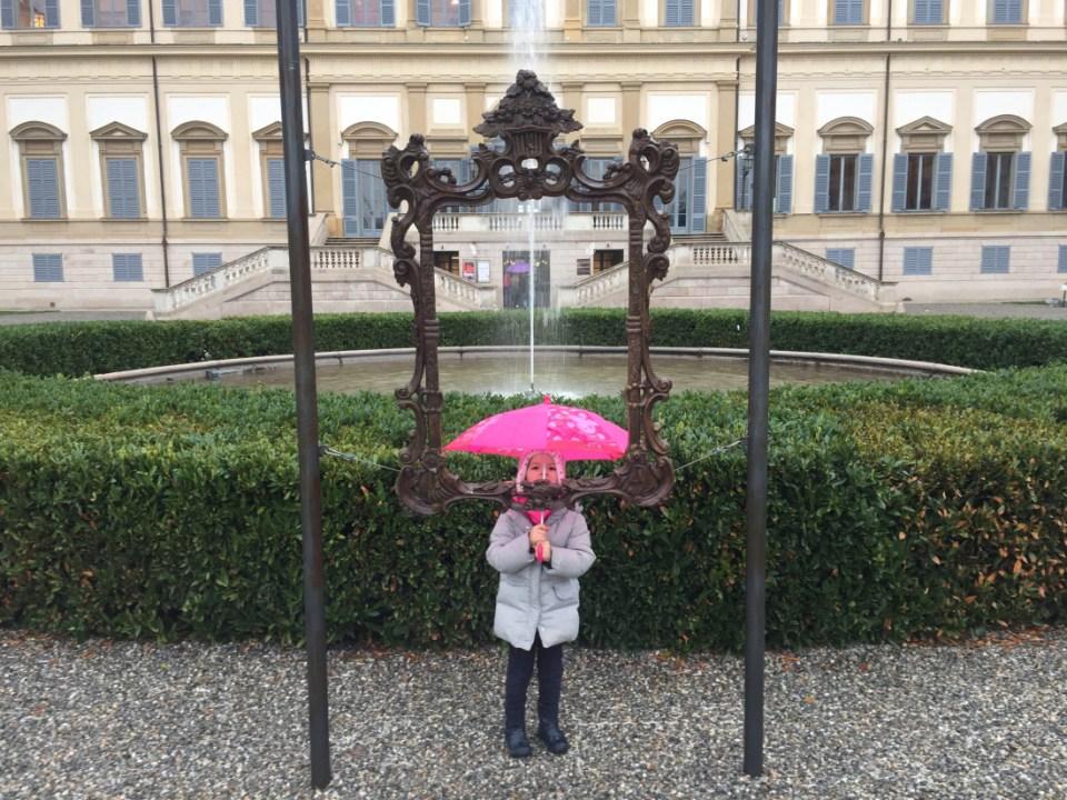 gita per bambini alla villa reale di Monza in Lombardia