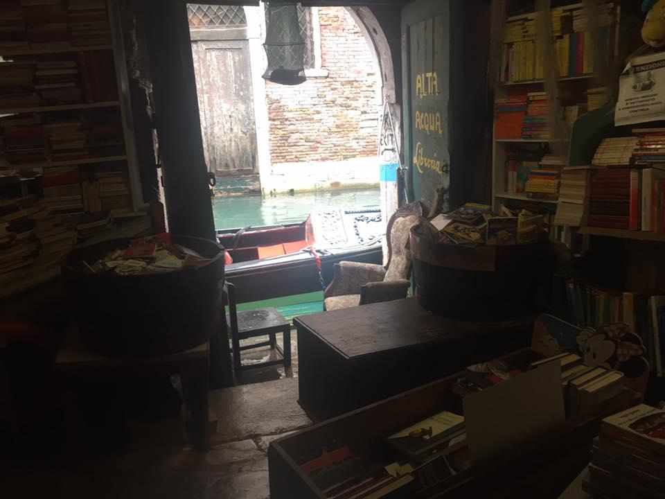 Canale libreria Acqua Alta Venezia