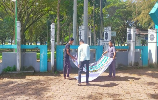 LSM Kita Peduli Copot Spanduk Dukungan Bubar FPI Di Aceh Jaya