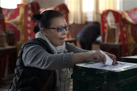 Exiled Tibetans vote for government shunned by China