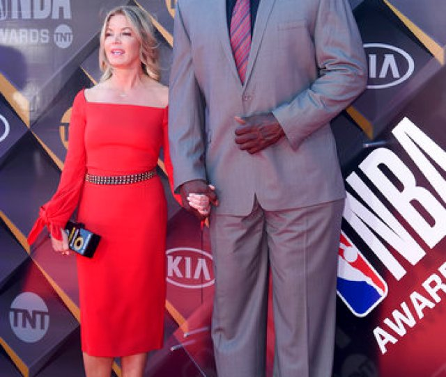 Jeanie Buss President Of The Los Angeles Lakers Left And Shaquille Oneal Arrive At The Nba Awards On Monday June 25 2018 At The Barker Hangar In