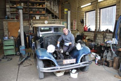 Chrysler-Six-Oldtimerrenovation-im-Bindersgarten-2