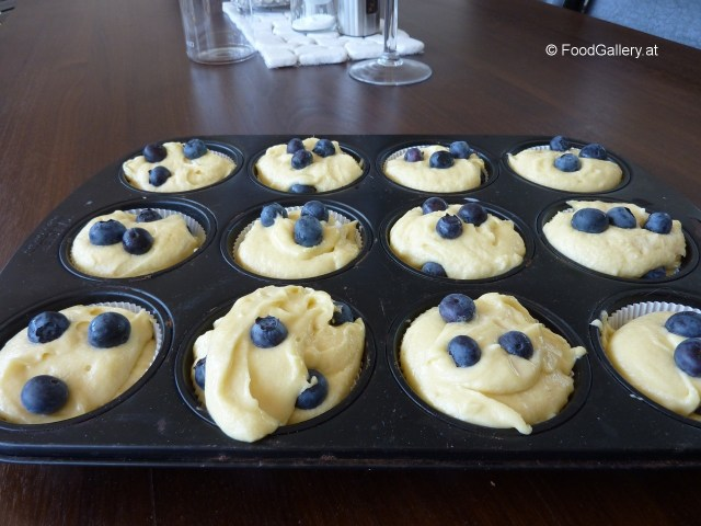 Blueberry-Muffins-–-3