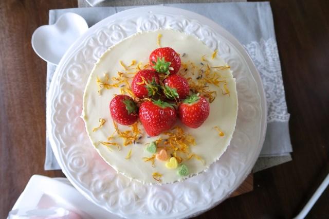 Panna cotta Torte mit Erdbeeren – 10