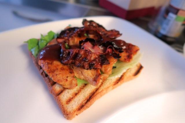 Club Sandwich mit Huhn, Ananas und Speck – 13