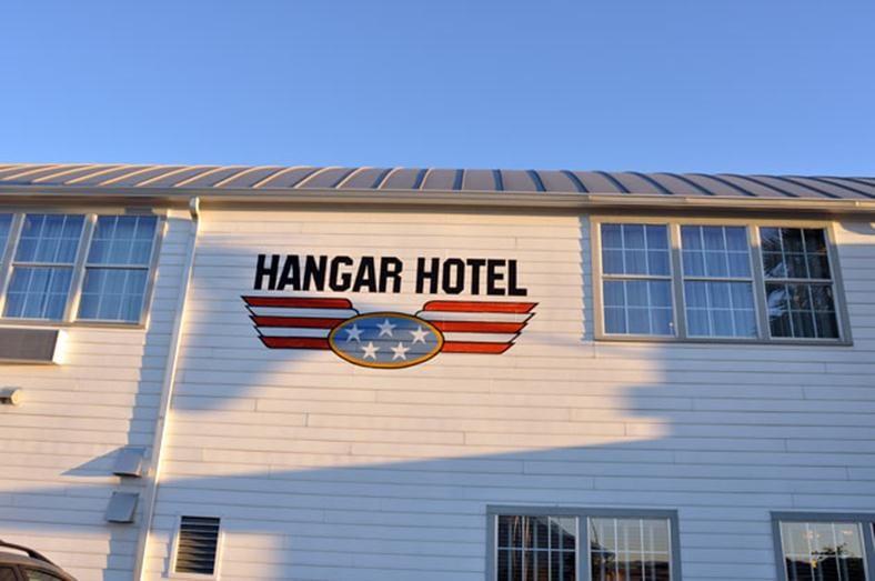Hanger Hotel