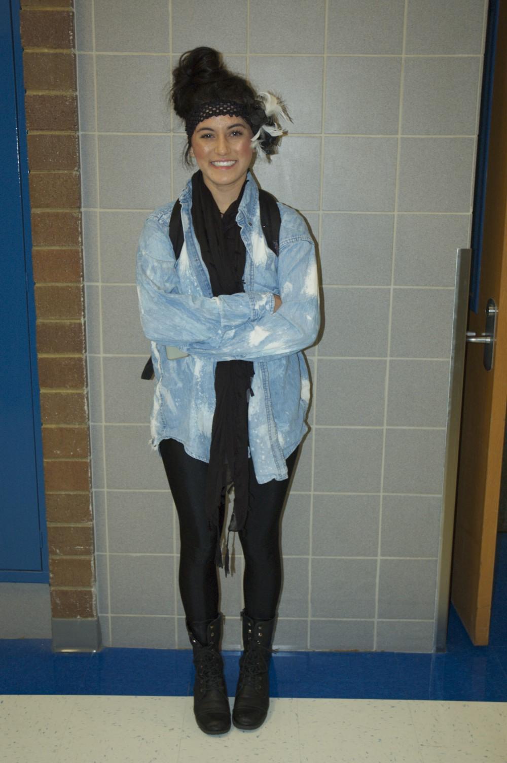 Many students like senior Chelsey Jimenez enjoy wearing leggings.