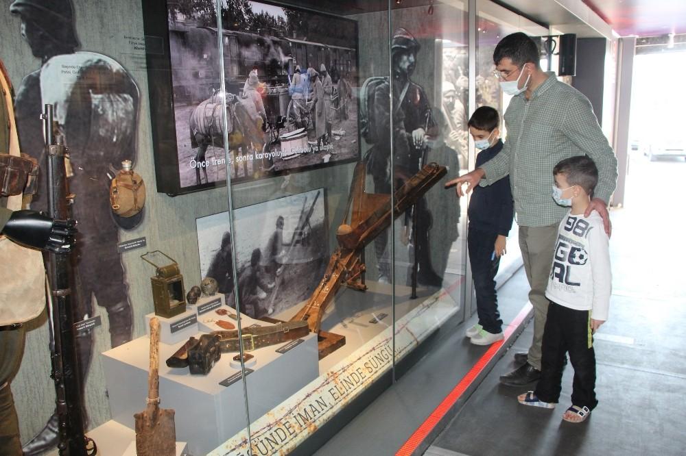Çanakkale Savaşları Mobil Müzesi Bingöl'de ziyarete açıldı