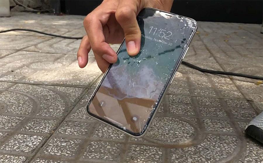 Màn hình điện thoại Samsung s20 vỡ