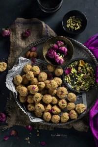 Til Mungfali Ke Laddu Recipe
