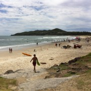 surfing byron bay
