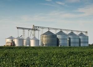 Grain bins by wpe9fon via Flickr.
