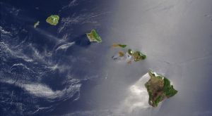 800px-Hawaiian_Islands_satellite