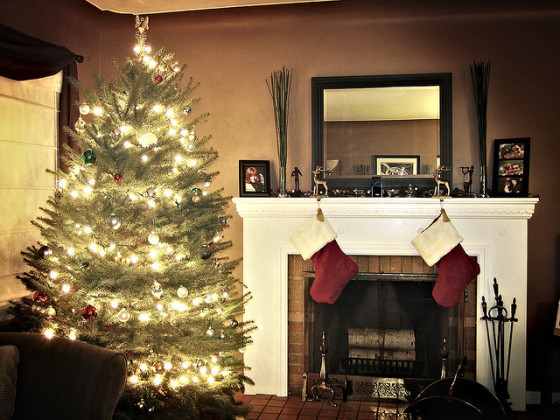 Christmas tree holiday indoor air pollution