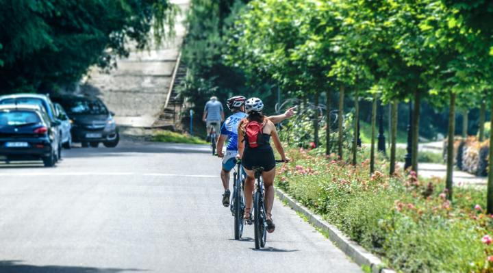 Biking photo by PhotoMIX Company from Pexels