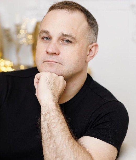 Василий Шуров