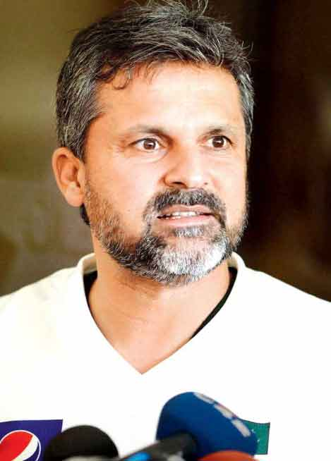 Biography of Moin Khan