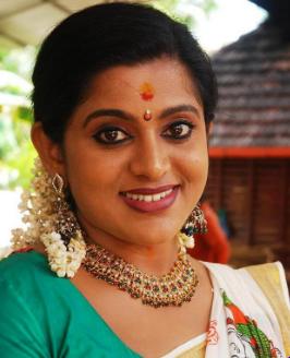 Veena Nair Twitter