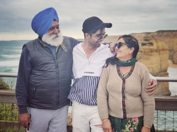 Hardi Sandhu with his parents