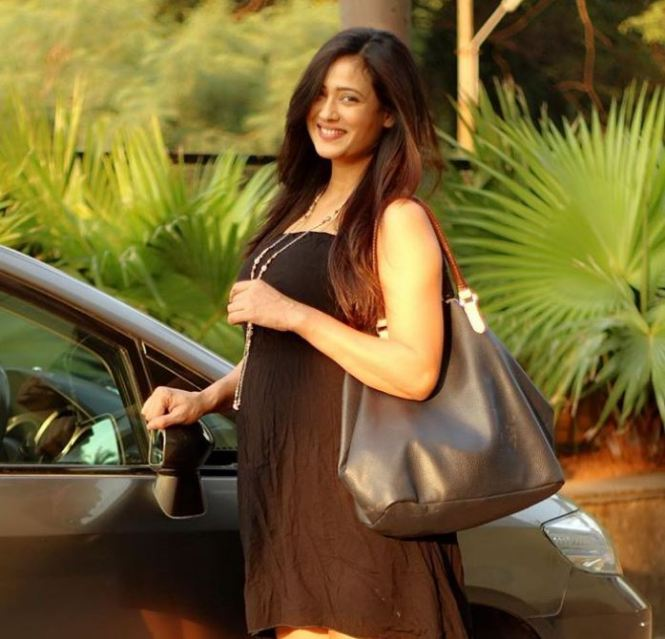 Shweta tiwari net worth