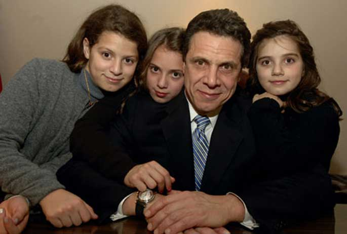 Sandra Lee's husband Governor Andrew Cuomo with his children from his Ex-wife Kerry Kennedy.