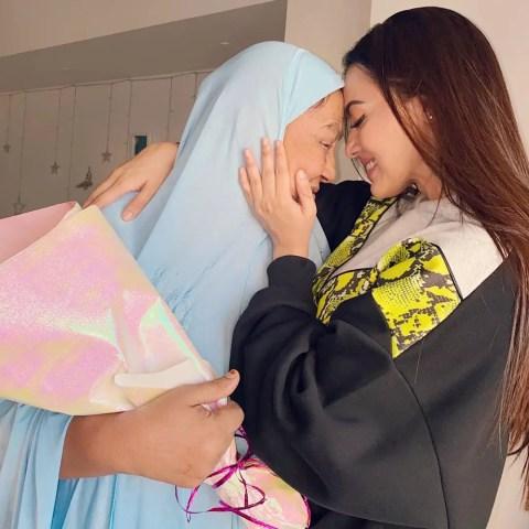 Sana Khan Mom