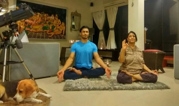 Vidyut Jamwal Mother