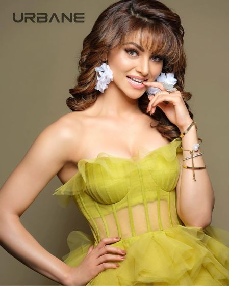 Urvashi Rautela Age, Height, Biography 2020 Wiki, Net Worth, Boyfriend