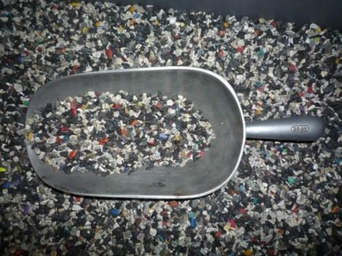 廃プラスチック 原料 熱分解前 Biogreen 熱分解装置