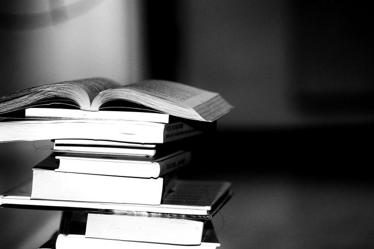 books-2337525_1920.jpg