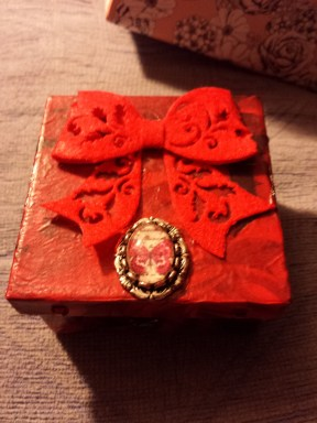 Gift box for Nat's Mum