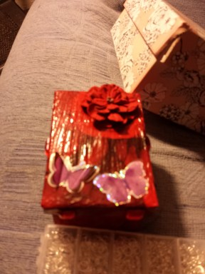 Gift box decoupage for Richard's Mum