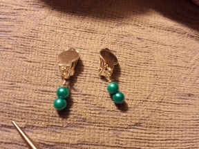 Earrings for Nat's nan