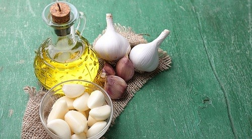 Garlic Oil and Various Benefits and Uses