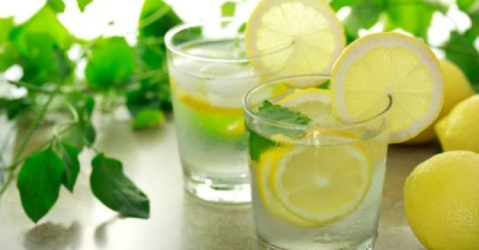 The Benefits Of Lemon Juice