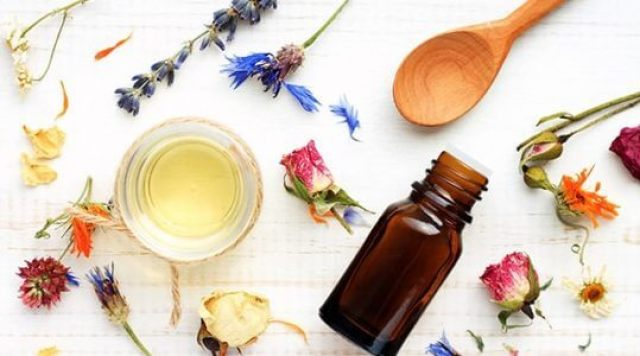 Essential Oils, Scents, and Your Brain