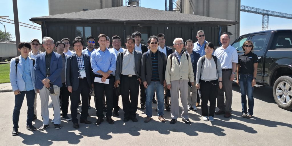 asian delegation briefed by corn industry
