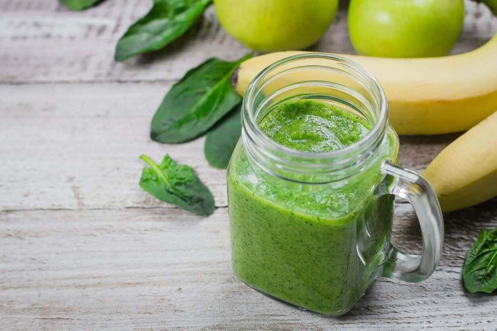 Green smoothie milk au moringa