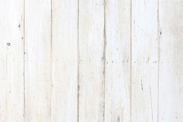 1.248 Nettoyer une tache de suie sur du bois blanc.jpg
