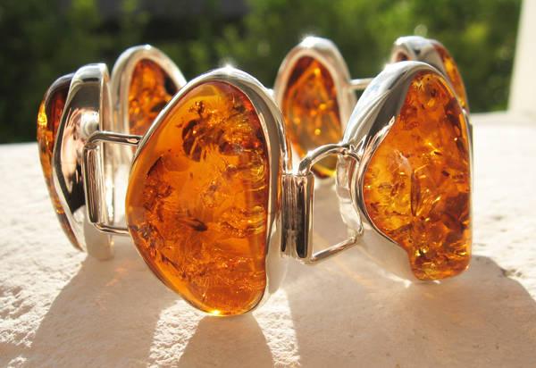 1.1133 Faire briller vos bijoux en ambre.jpg
